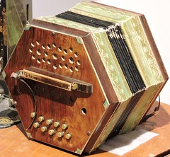 Concertina (Will S.) Tags: mypics nepean ottawa ontario canada museum nepeanmuseum concertina