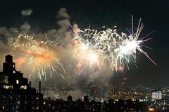 4th of July 2017 Macy's Fireworks-89 (Diacritical) Tags: brooklyn nycmacys nikond4 pattern 70200mmf28 30secatf71 july42017 85233pm f71 195mm 4thofjuly fireworks macysfireworks nyc night skyline