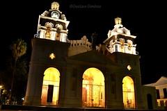 Catedral (TavoGimenez) Tags: cordoba argentina latinamerica america old cathedral cityscape building edificio nikon nikkor fotografia nocturna catedral noche night lights lucges