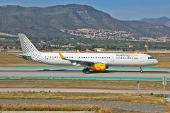EC-MQB Airbus A.321-231SL Vueling AGP 10-06-17 (PlanecrazyUK) Tags: lemg malaga–costadelsolairport malaga costadelsol ecmqb airbusa321231sl vueling agp 100617