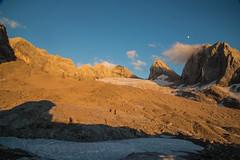 expo-8209 (ernst.scherr) Tags: gelb adamekhütte gosau dachstein salzkammergut gletscher schnee natur mondaufgang mondlicht sonnenuntergang alpen pflanzen
