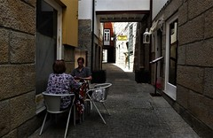 the game (*F~) Tags: guimarães portugal human women playing game light shadows afternoon heath protection people quiet