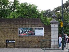 Kew Gardens (stillunusual) Tags: london kewgardens ldn city england uk streetphotography street cityscape urban urbanscenery travel travelphotography travelphoto travelphotograph 2017