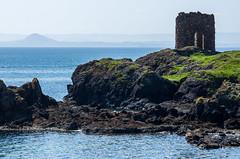 Lady's Tower (Santa Cruiser) Tags: beach fife scotland ladys tower elie