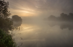 River Trent Mist At Sawley (Julian Barker) Tags: sawley nottingham long eaton leicestershire derbyshire border river trent mist fog sunrise foggy misty dawn reflections abyss light landscape waterway riverside bank julian barker canon dslr 600 england east midlands europe uk
