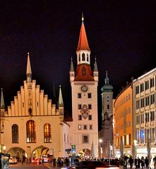 Altes Rathaus, Marienplatz, Munich (Alona Azaria) Tags: marienplatz munich germany altesrathaus night lowlight clock tower