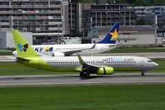 Jin Air HL8013 (Howard_Pulling) Tags: fukuoka airport fuk fukairport japan japanese howardpulling