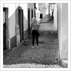 Images Singulières du Portugal #36 (Napafloma-Photographe) Tags: 2017 algarve architecturebatimentsmonuments artetculture bandw bw bâtiments catégorieprojet géographie kodak kodak400tmax métiersetpersonnages personnes portugal techniquephoto vacances blackandwhite magasin monochrome napaflomaphotographe noiretblanc noiretblancfrance pellicules photoderue photographe photographie province streetphoto streetphotography loulé pt