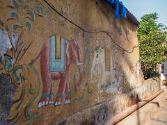 Mumbai 2015 (hunbille) Tags: mumbai birgittemumbai1lr mural india shree jagnath mahadev mandir shreejagnathmahadevmandir temple malabarhill malabar hill bangangatank banganga tank lake bombay