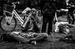 The clarinetist (Castro Camilo) Tags: monocromatico gente clarinet clarinete clarinetist mauerpark people playing instrument intrumento