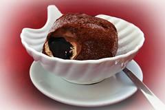 For a delicious weekend 😋!! (Shootmania) Tags: eis essen indoor nikon eisbecher chocolate italy calabria pizzo tartufo icecream