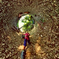 Inside Thema #wormhole #tinyplanet #smallplanet #littleplanet #360photography #spherical #inverted (waltitellvuri) Tags: wormhole 360photography spherical inverted littleplanet smallplanet tinyplanet