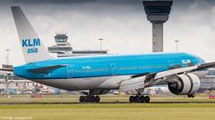 KLM 777-200ER braking action (Nicky Boogaard) Tags: boeing airbus aviation dmaviation aircanada klmcityhopper aa americanairlines kalittaair deltaairlines 787 dreamliner easyjet a319 747 freigther 747400 777200 77w 7878 7879 embrear e175 jetairways united keniaairways