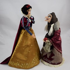 2017 D23 Snow White and the Hag Limited Edition Dolls - Facing Each Other - Full Front View (drj1828) Tags: d23 2017 expo purchases merchandise limitededition artofsnowwhite snowwhiteandthesevendwarfs queenashag witch hag disneystore 17inch doll snowwhite