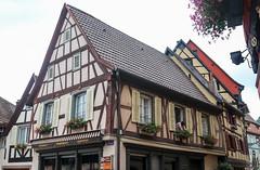 Vacances_0183 (Joanbrebo) Tags: ribeauville grandest francia fr alsace hautrhin streetscenes canoneos80d eosd efs1855mmf3556isstm autofocus arquitectura edificios edificis buildings