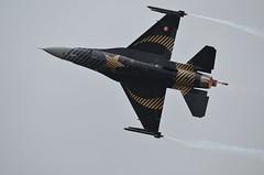 Solo Turk (shutcho1973) Tags: solo turk f16 general dynamics plane aircraft flying jet military 2017 fairford air tattoo lockheed martin viper fihting falcon