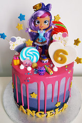 Angela is 6 (adrianarosati) Tags: birthday birthdaycake shopkins doll purple pink gold cake cakedesign cakedecoration vanilla buttercream