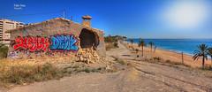 (454/17) Hubo mejores tiempos (Pablo Arias) Tags: pabloarias photoshop photomatix nxd españa cielo nubes arquitectura playa arena agua mar mediterráneo ruinas villajoyosa alicante