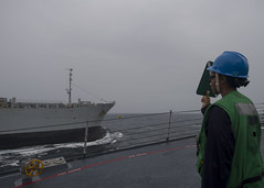 170716-N-BY095-0040 (SurfaceWarriors) Tags: ussshoup ddg86 replenishmentatsea destroyer arleighburkeclass deployment carrierstrikegroup11 desron9 insjyoti malabar2017 bayofbengal