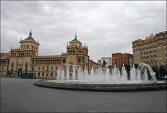 Fuente en la plaza de Zorrilla (Valladolid, Castilla y León, España, 25-6-2017) (Juanje Orío) Tags: valladolid provinciadevalladolid castillayleón españa spain 2017 fuente fountain plaza agua water