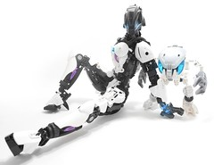 Artheona the Inquisitor (Darkraimaster99) Tags: bionicle darkdemon moc lego titan demon female