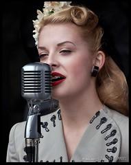 Lucy Eastwood 2 (zweiblumen) Tags: lucyeastwood singer model 1940sweekend blackcountrylivingmuseum bclm dudley tipton westmidlands england uk canoneos50d canon70300mm zweiblumen