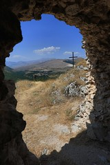 window (bob_52) Tags: abruzzo montagna rocca ortona marsi croce bellabruzzo