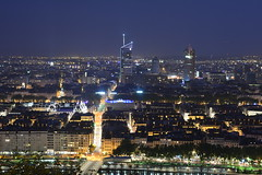 Lyon By night_ (monitchochebrek) Tags: lyon nuit night tour oxygen architecture lumières horizon batiments nightscap