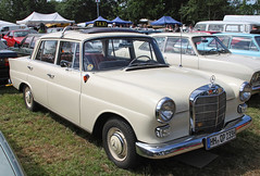 Mercedes Taxi (Schwanzus_Longus) Tags: bockhorn german germany old classic vintage car vehicle sedan saloon taxi cab mercedes benz 190d