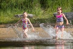friends runnig to water on lake beach (VisitLakeland) Tags: vesileppis ranta uida biitsi kesä aurinkoinen luonto järvi beach swim summer finland lakeland lake water fun happy