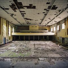 On stage (Jo Datou) Tags: gssd theater theatre kino cinema cccp symmetrie symmetry quadrat square verlassen verfallen marode abandoned ausderregion