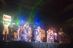 En la imagen se puede ver un momento de la actuación de la txaranga Zorigaitzak titulada Macaco 'Seguiremos'