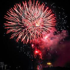 Feu d'artifice du 14 juillet à Auxerre (jjcordier) Tags: bastilleday 14juillet feudartifice auxerre