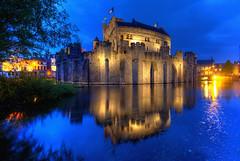 Gravensteen Blues (hapulcu) Tags: bluehour belgie belgien belgique belgium flanders flandre gand gent ghent vlaanderen spring