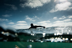 20170722 -Surf_3 (Laurent_Imagery) Tags: surf surfer surfing surfboard surfeur surfers swell wave water sea ocean oceanpacific pacific pacificocean lajolla windansea sandiego california usa westcoast spl waterhousing nikon d200 wind cloud clouds sky editorial magazine action sport lifestyle shadow silhouette