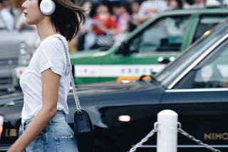 Shibuya,She was walking as if to fly.