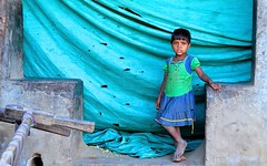 India- Ranakpur (venturidonatella) Tags: india asia ranakpur colori colors nikon nikond300 d300 people persone gentes ritratto portrait child bambino occhi look emozioni sguardo