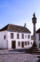The Mercat Cross (demeeschter) Tags: scotland great britain culross heritage house attraction museum historical town