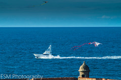 San Juan, PR. (E S M Photography) Tags: caribbean caribe castillo castle water waves warm summer sun arquitecture old oldsanjuan colors colorsinourworld boricua boat clouds garita elmorro kite