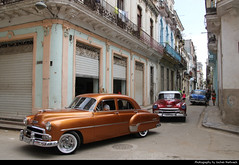 Classic cars cruising around, Havana, Cuba (JH_1982) Tags: oldtimer car cars classic 50s fifties vintage cruising around chrome auto automobile automobiles la habana vieja old havana havanna havane lavana 哈瓦那 ハバナ 아바나 гавана hawana हवाना هافانا הוואנה cuba kuba 古巴キューバ 쿠바 куба क्यूबा كوبا
