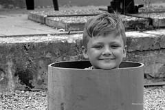 Karlson aus dem Rohr (Menschenlandschaften) Tags: mensch kind junge schwarzweis portrait menschenlandschaften