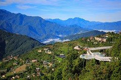 清境天空步道(Air trail @ Cinjing farm,Natou county,Taiwan)。 (Charlie 李) Tags: 5d3 canon clouds sky airtrail taiwan natoucounty cinjingfarm 天空步道 清境農場 南投縣