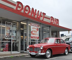 '67 Volvo at Donut Dip, West Springfield, Massachusetts. (63vwdriver) Tags: 1967 volvo 122s 122 amazon red donut dip west springfield ma neon vintage shop