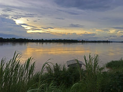 Mekong Sunset 2017-7-19 1e (SierraSunrise) Tags: clouds mekong mekongriver nongkhai phonphisai reflections rivers skies sunset thailand water