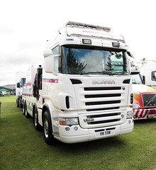 Mansfield Group Scania R620 V8 TOW Newark Truckfest 2017 (davidseall) Tags: mansfield group scania vabis v8 tow v8tow r620 truck lorry recovery lgv hgv large heavy goods vehicle truckfest show newark nottinghamshire uk gb british