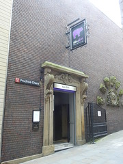 DSCN1487 (stamford0001) Tags: newcastle upon tyne purple bear northumberland street