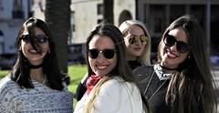 _DSC8011 (4) (guillermoluis21) Tags: grupo bellezas jóvenes chicas modelos azafatas amigas posando retrato lentes de sol maquillage bellas guapas alegres
