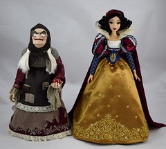 2017 D23 Snow White and the Hag Limited Edition Dolls - Side by Side - Full Front View (drj1828) Tags: d23 2017 expo purchases merchandise limitededition artofsnowwhite snowwhiteandthesevendwarfs queenashag witch hag disneystore 17inch doll snowwhite