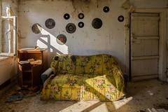 vinyl (Captured Entropy) Tags: lostplace urbex decay abandoned derelict vinyl sofa