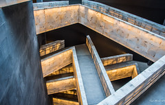2017 - Road Trip - Winnipeg - Canadian Museum of Human Rights (Ted's photos - For Me & You) Tags: 2017 canada cropped nikon nikond750 nikonfx tedmcgrath tedsphotos vignetting winnipeg manitoba canadianmuseumofhumanrights alabaster ramps museum